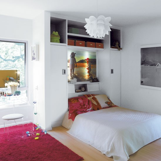 white-and-pink-bedroom