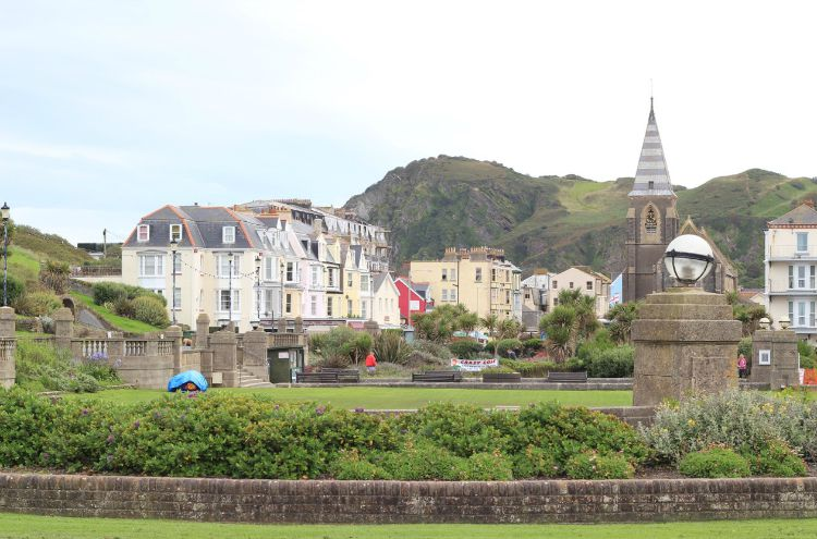 We went to Ilfracombe. Its quite a pretty little town. We went to the Weatherspoons as you do.