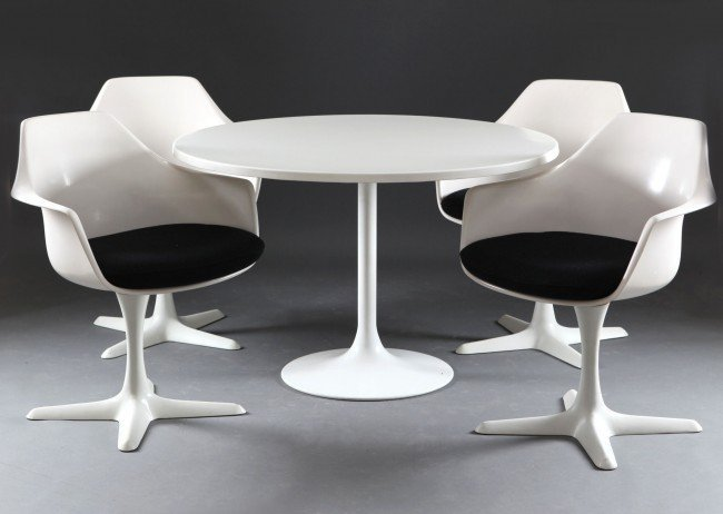 Arkana table and chairs. Image from haussmith.com